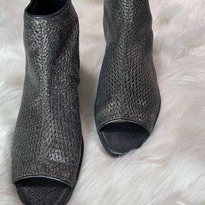 Sz 6, black peep toe wedge booties